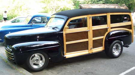1946 Ford Super Deluxe Woody Station Wagon