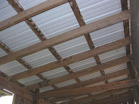 Simple metal roof