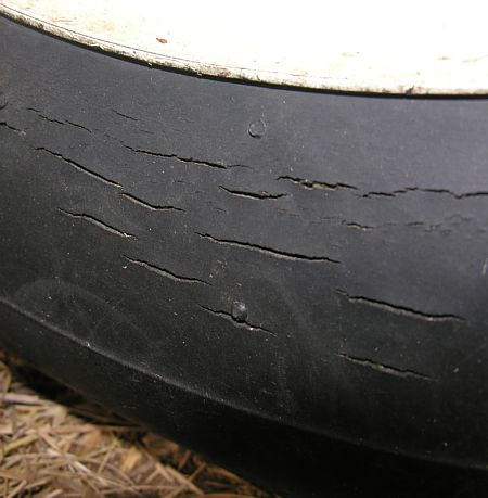 Cracked sidewall