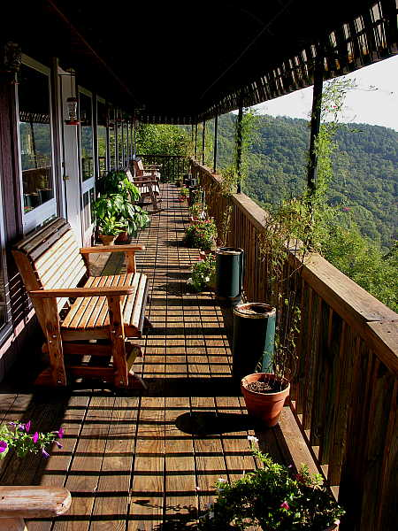 Cozy balcony overlooking the canyon